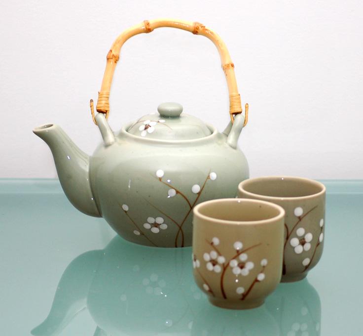 Momente linistite langa un ceainic deceai
